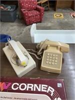 2 vintage phones