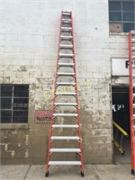 Featherlite 16' Step Ladder