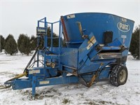 Patz V300 lp vertical mixer feed wagon