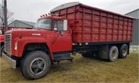 1975 International Loadstar 1700 Grain Truck