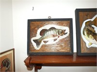 WOOD SMALL MOUTH BASS CARVING & SHELF
