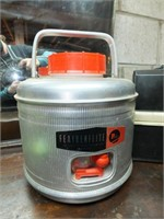 FEATHERFLIGHT WATER JUG, VINTAGE LUNCH BOX