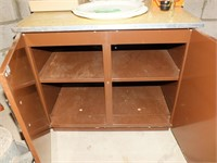 METAL CABINET/COUNTERTOP(CONTENTS NOT INCLUDED)