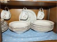THE COVINGTON EDITION STONEWARE DISHES