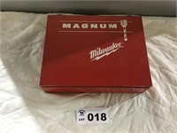 MILWAUKEE MAGNUM RIGHT ANGLE DRIVE DRILL &