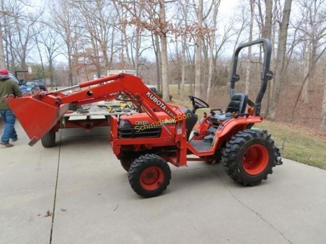 2000 Kubota B2410 compact tractor 1,104 hrs. LA352