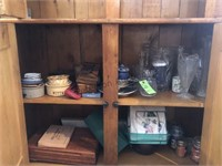 Nice Primitive country hutch