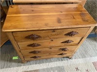 Pine wood pull 4 drawer chest