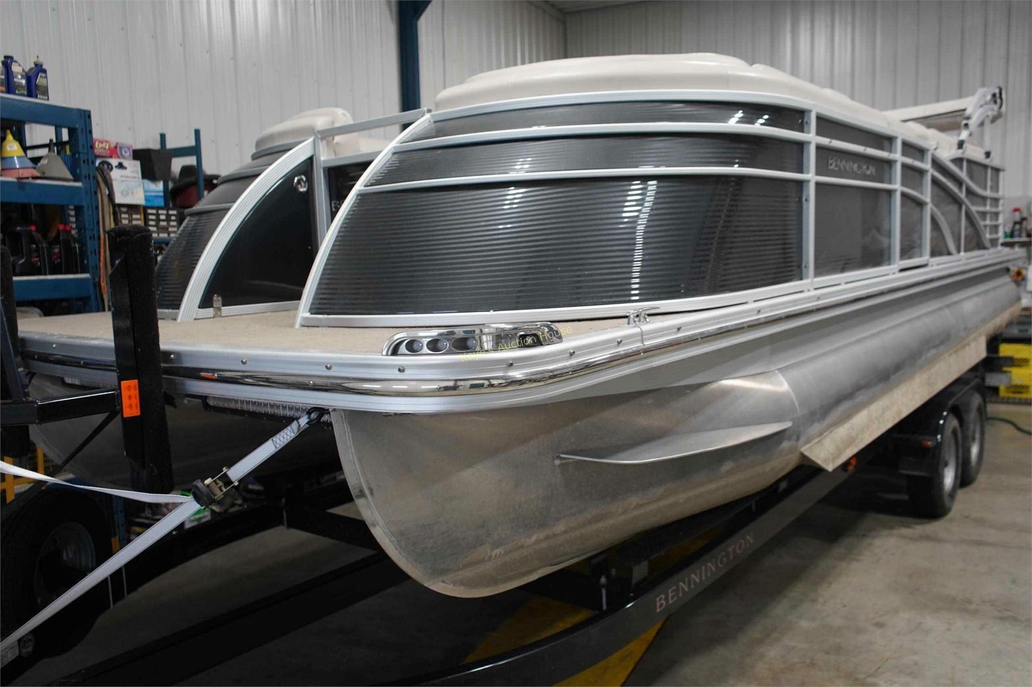 2014 Bennington Q23 Pontoon boat w/trailer