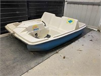 PlayMate 5-Person Pedal Boat