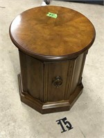 Round end table Drexel with one door Air pro