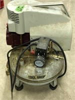Toolshop pancake air compressor