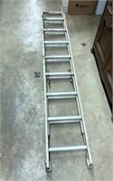 Aluminum extension ladder 16'