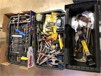 Tool box no latches and lots of tools