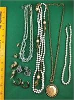 Necklaces & jewelry