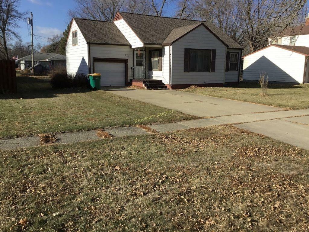 Darlene Jungjohan Estate Residence - Lake Park, Iowa