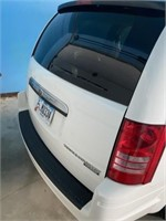2010 Town and country Chrysler wagon touring L