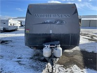 2013 WILDERNESS 32' T/A TRAVEL TRAILER