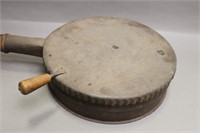 EARLY WOOD HANDLED POP COFFEE ROASTER