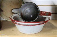 15 PIECES OF ENAMELWARE