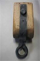 WOODEN PULLY 6X4X14