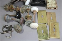 LOT OF DOOR KNOBS, BRASS COVERS AND HARDWARE
