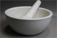 LARGE CERMAIC MORTAR AND PESTLE 9X4