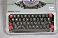 EMPIRE ARISTOCRAT TYPE WRITER WITH CASE 11X11X5