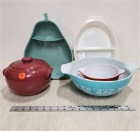 2 American pottery serving pcs.