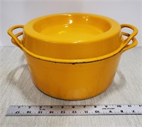 Enameled iron pot