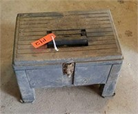 ONLINE COINS/KNIVES/JEWELRY/HENNY PENNY HOLDING CABINET