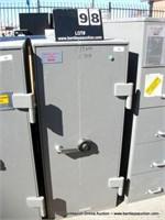 MOSLER 1 DOOR SAFE, COMBO 50.25.50 OR 50.0.50