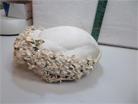 Antique Ladies Hat (white with flowers)
