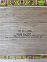 Royal Coronation Cigar Box w/ Humidor Tubes