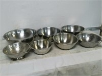 Qty (5) Mixing Bowls & (2) Strainers