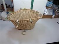 """Vintage Mid-Century Bicycle Basket 13&1/2"""" x"""