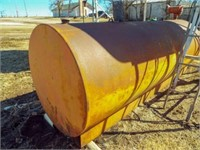 1000 gal fuel tank with 110 transfer pump. Works