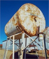 200 gal fuel tank on stand