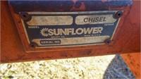 Sunflower 24' chisel, 18'' sweeps,