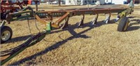 John Deere 3600 mold board plow, adjustable hitch