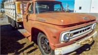 "1961 Ford F600 Wheat Truck 15' x 38"" Bed w/Lift"