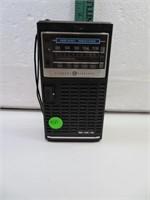 Vtg General Elctric AM-FM Weather Radio Working