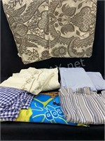 (3) Sets Of Fitted & Flat Sheets And More