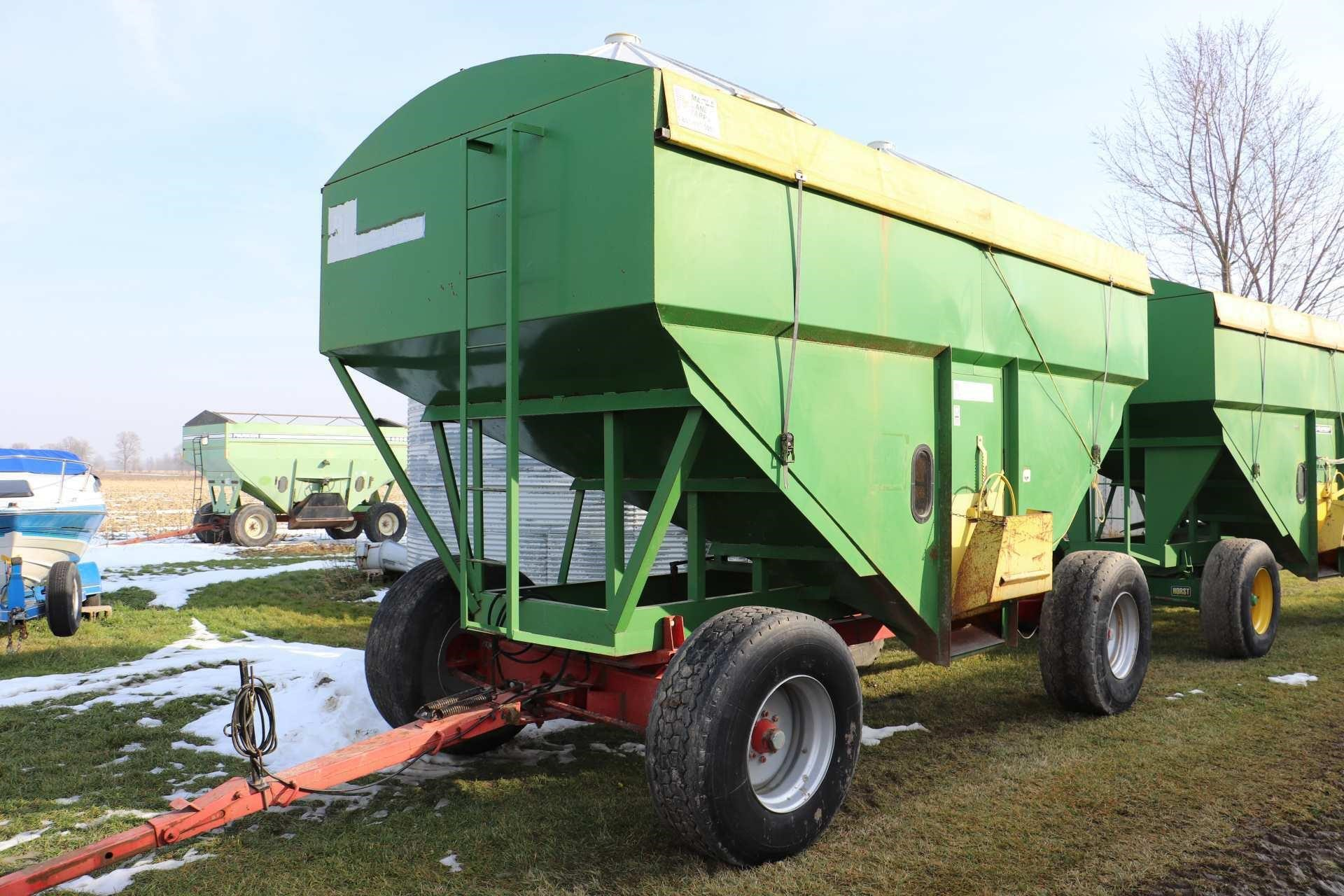 RJ 600 GRAVITY BIN WITH HORST 365 WAGON
