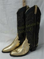 210308 - Antique Glassware, Pocket Knives, Ladies Boots Onli
