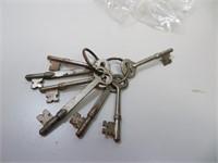 7 Antique Skeleton Keys