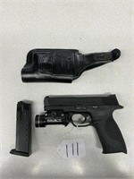 Smith & Wesson M&P 40 Pistol w/ 1 Clip, Holster,