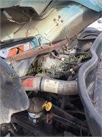 2002 INTERNATIONAL 4400 W/ 12' FIXED FLATBED 2WD