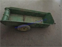 JD MANURE SPREADER