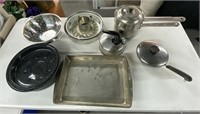 Lot of baking sheet, cake mold, cooking pots